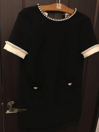 華麗珍珠黑洋裝