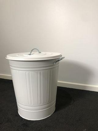 Bin with Lid (New)