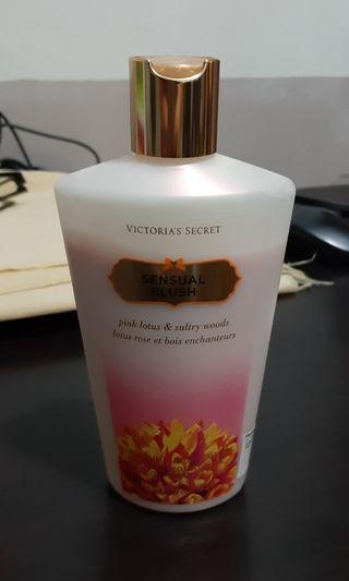 VS Sensual Blush Lotion