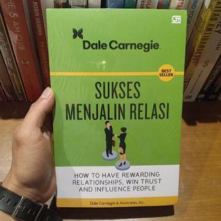 Sukses Membangun Relasi karya Dale Carnegie