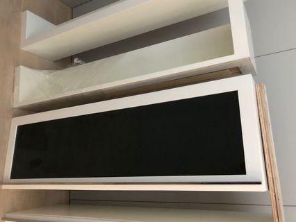 🚚 Book shelves