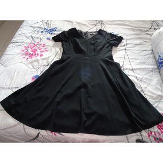 🚚 Marks & Spencer black fit and flare dress