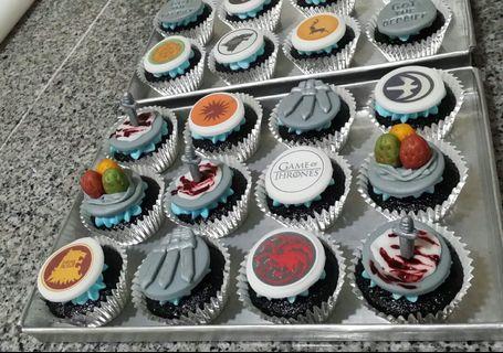 Game of Thrones Theme Cupcakes (all edible)