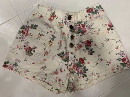 🚚 Floral Shorts