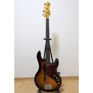 For Sale Line 6 Variax 4 string electric bass guitar
