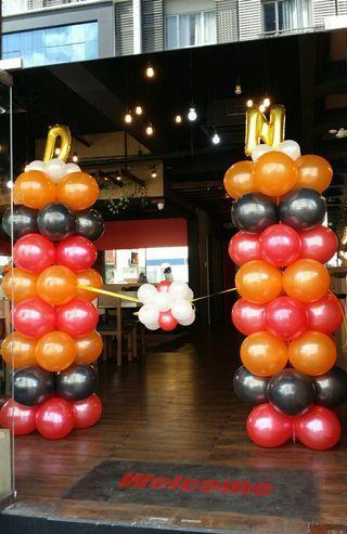 2 Balloon Pillars (7 ft)