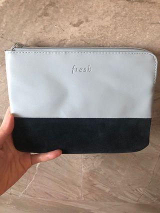 🚚 Makeup pouch by Fresh Beauty