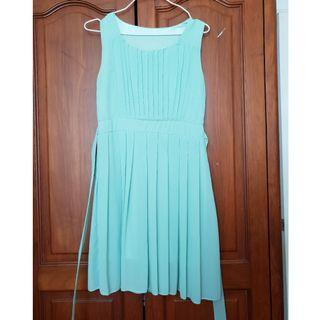 Light Green dress (size S)