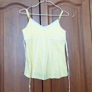 Yellow sleeveless top (size XS)