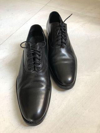 🚚 Cole Haans Leather Shoe - Nike Sole