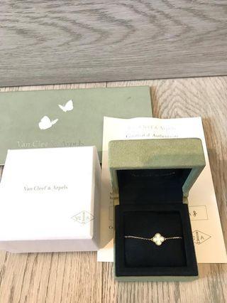VCA Van Cleef Sweet Alhambra bracelet Mother of Pearl 珍珠母手鏈
