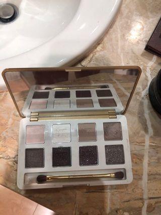 No 7 eyeshadow palette