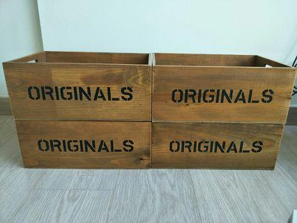 🚚 Wooden boxes