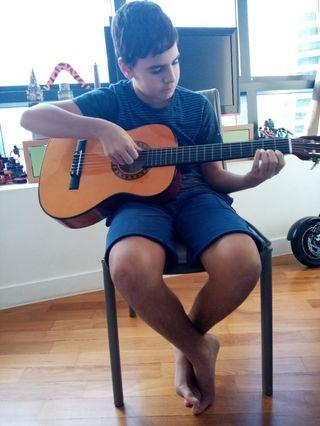 Guitar lessons for kids and adults