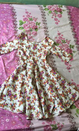 #SociollaCarousell Flower Dress white