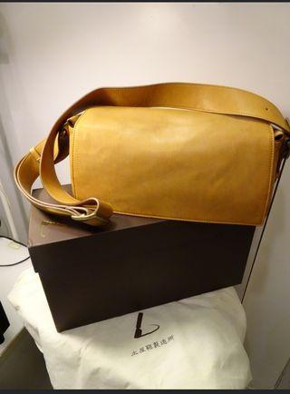 土屋鞄(全新)原價$4000/現售$1900