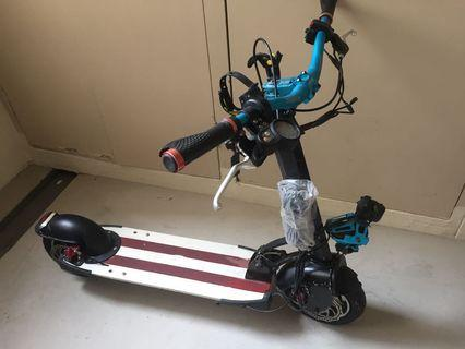 E-scooter selling cheap