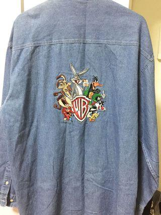 Brand new Authentic Warner Bros Studio Store Looney Tunes Denim Long Sleeved + Collared Button-up Jacket (M) (Made in Singapore)