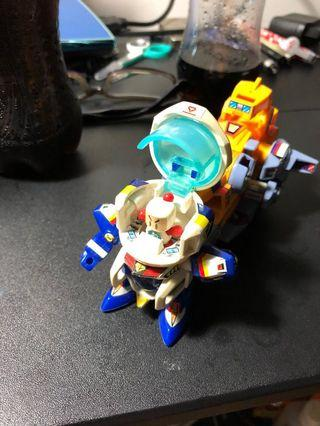 Bandai Bomber man mobile suit - used