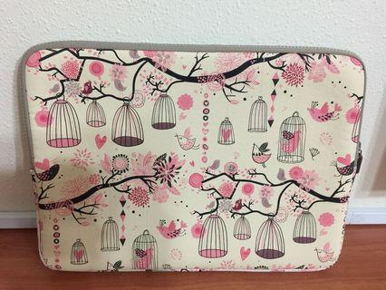 "Brand new Pink Whimsical Print 13.3"" laptop case (zip closure) (34 x 26 x 2cm)"