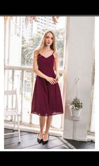 The Stage Walk : Florent Eyelet Midi Dress (Plum)