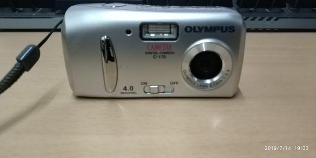 OLYMPUS CAMERA C-170 (WITH 64MB XD-PICTURE CARD)