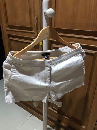 H&M celana pendek