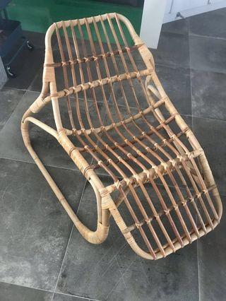 🚚 Wicker chaise lounge chair - make offer