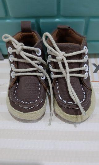 Prewalker shoes baby 0 - 6 bulan