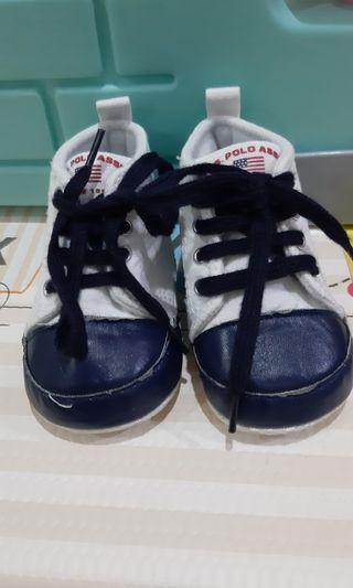 Prewalker shoes 0 - 6 bulan
