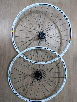"""26""""MTN alloy wheelset in white"""