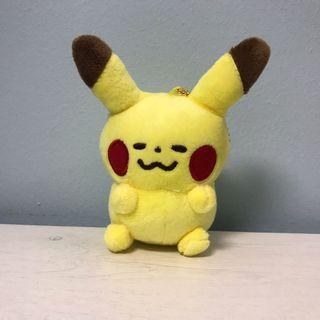 🚚 Pokemon Yurutto Pikachu plush keychain
