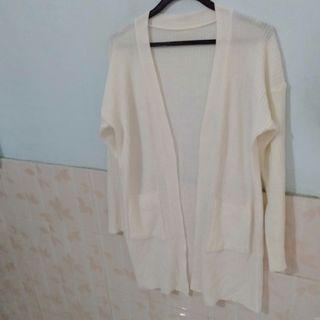 Cardigan Putih panjang tebal