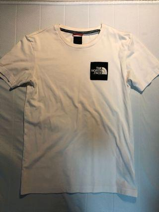 North Face T shirt (S)