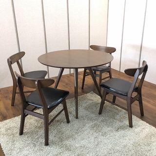 Round Dining Table with 4 Chairs (FREE POSTAGE) NO COD