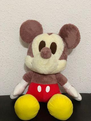 🚚 Authentic Mickey Mouse Plushie