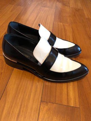 Louis Vuitton Women Patent Shoes