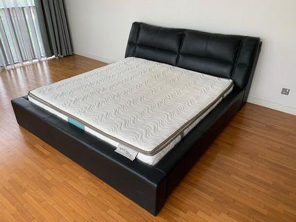 Branded! Cellini divan & King mattress for sale!