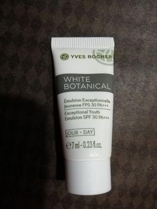 Yves Rocher White Botanical Exceptional Youth Emulsion