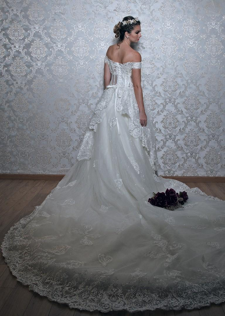 Off shoulder layer long train white wedding gown