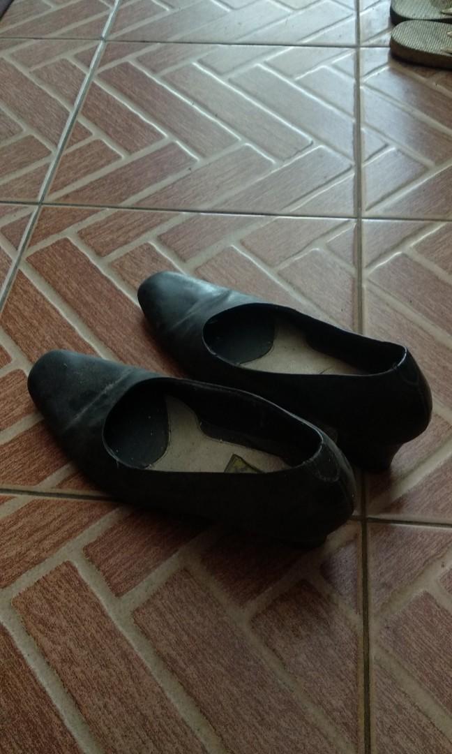 Sepatu asli kulit untuk wanita