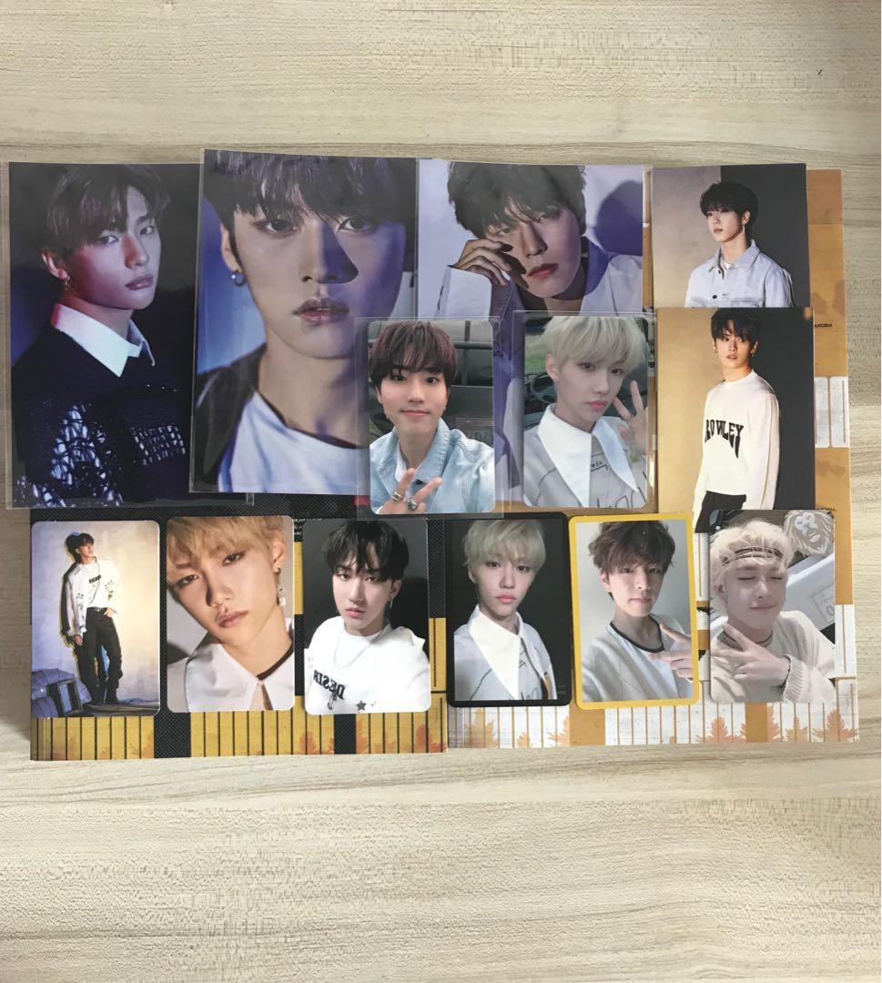 stray kids cle 2 yellow wood photocards , unsealed albums
