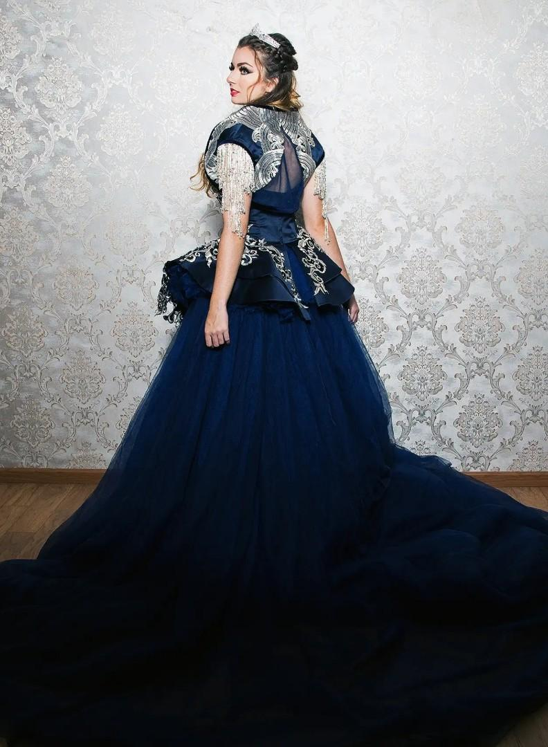 Victorian evening long train wedding evening gown sales