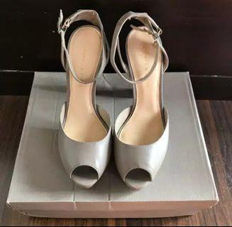 Sepatu CnK