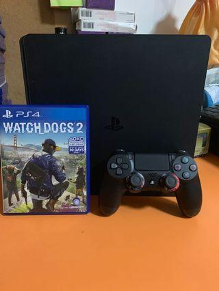 PS4 Slim with 1 free games