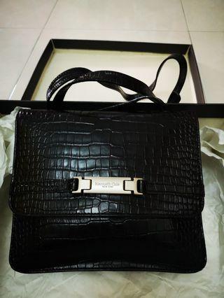 New Kenneth Cole NY Handbag