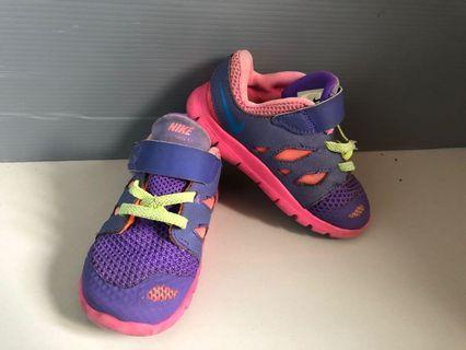 Nike free sneaker shoes original asli authentic sepatu anak perempuan size uk 25 8c 14cm