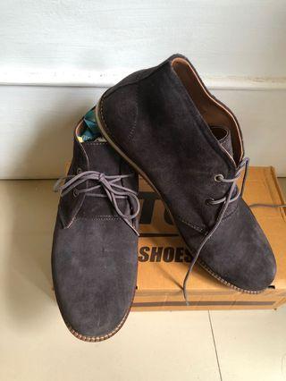 Men Shoes Tuf sepatu boots formal cowok pria brand new size 41 abu tua bahan suede