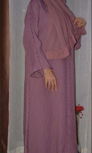 Dubai pleated abaya (offer price)