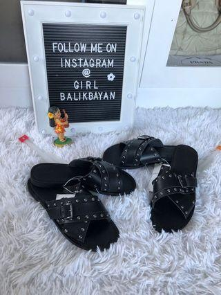 Wow, worth P1,300++. NEW black studded sandals. Selling LOW!😱🥰